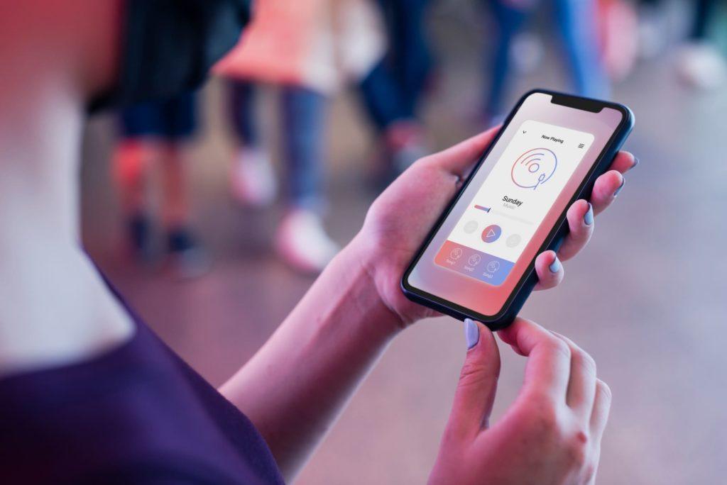 Pourquoi développer une application mobile pour votre business ? - image GeekWorkers - 1